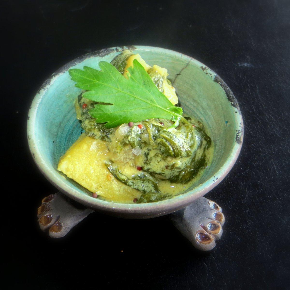 indisk flødestuvet spinat med kartofler